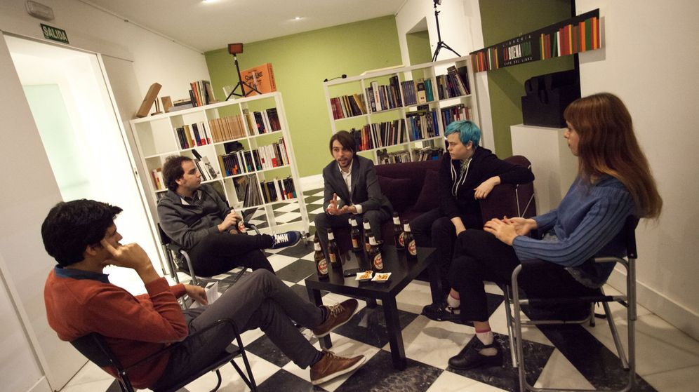 Foto: De derecha a izquierda: Sole Parody, Miriam Muñoz, Juan Soto Ivars y Noel Ceballos intentando situar su lugar en el mundo (Fotos: Jorge Álvaro Manzano)