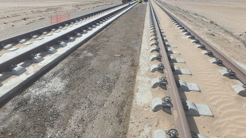 Foto: Un tramo del AVE Medina a La Meca responsabilidad de OHL. (El Confidencial)