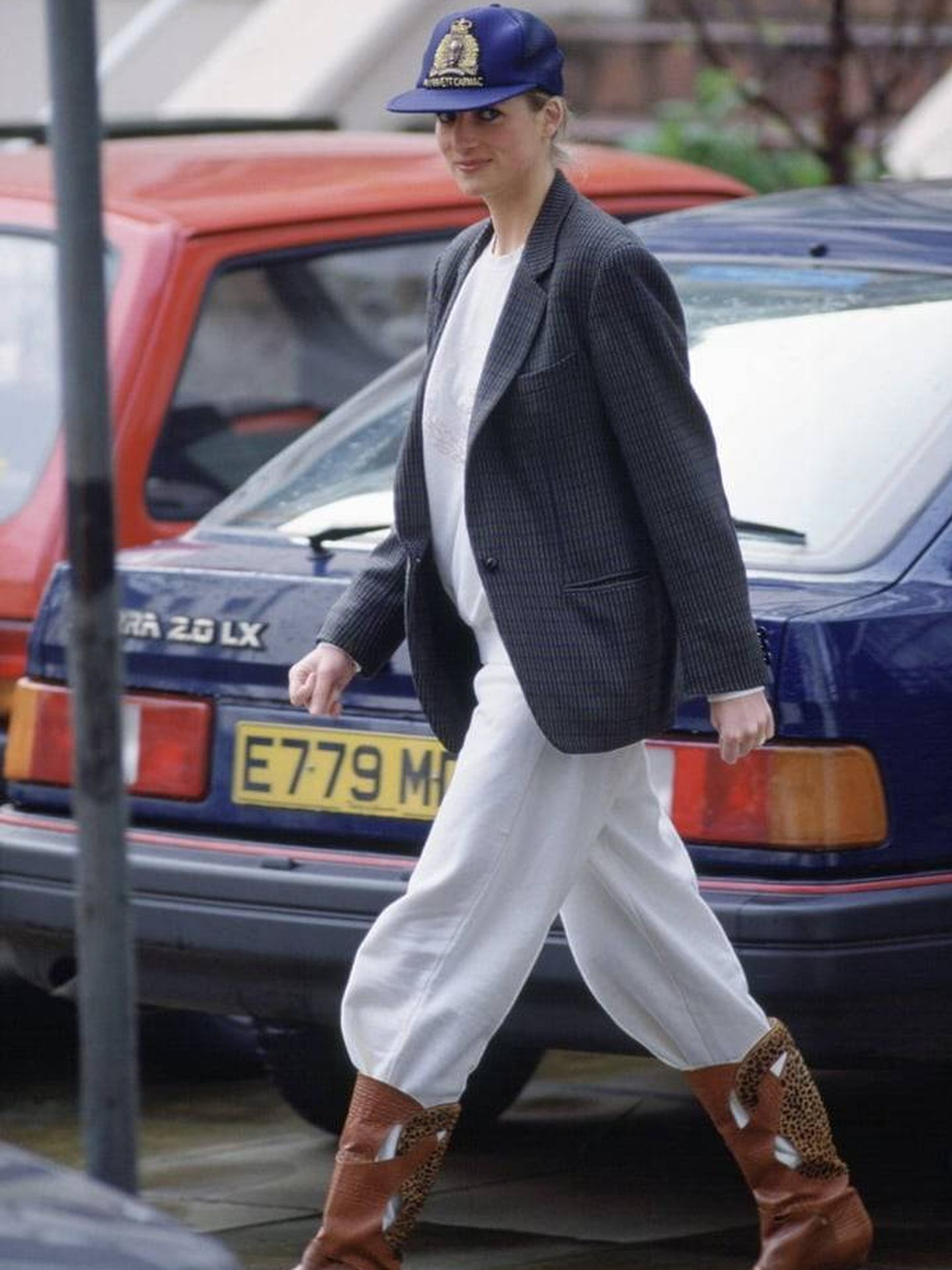Lady Di marcando tendencia en 1989 con las botas cowboy que hoy arrasan entre las influencers. (Getty)