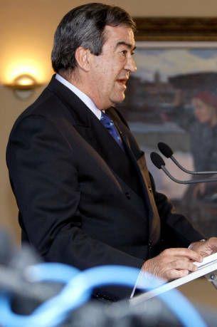 Francisco álvarez cascos comparece ante los medios tras conocer los resultados electorales