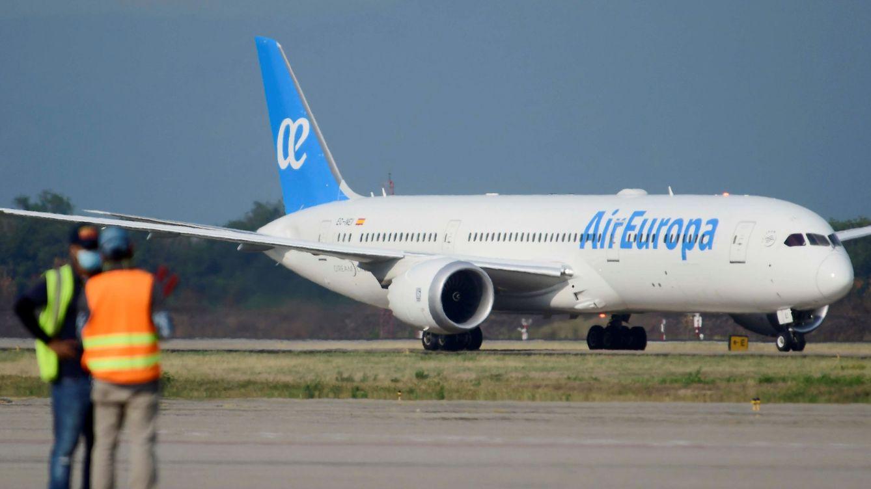 El Gobierno finaliza la adjudicación directa a Air Europa de los vuelos en Baleares