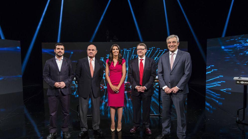 Foto: Alberto Garzón, Luis de Guindos, Ana Pastor, Jordi Sevilla y Luis Garicano. (Alberto R. Roldan / Atresmedia)