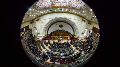 Parlamento de Venezuela rechaza la convocatoria de Maduro
