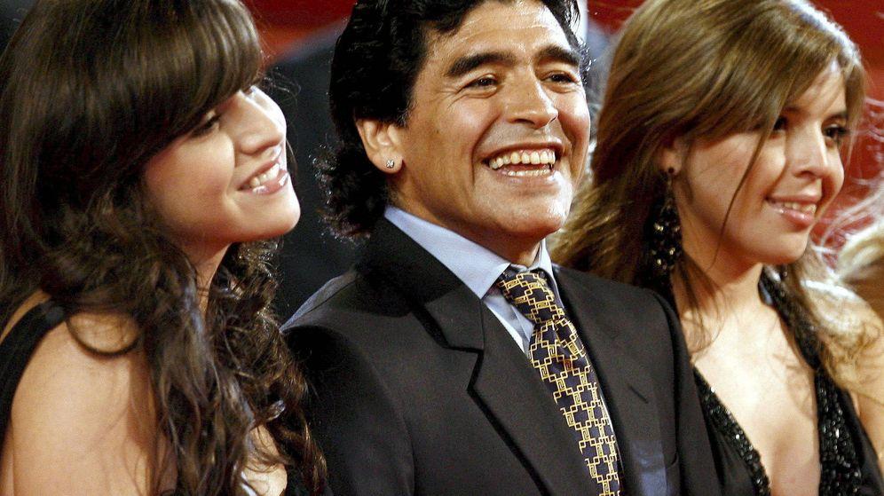 Foto: Maradona y su Giannina (i) en una imagen de archivo. (EFE)