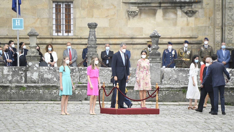 La familia Real en la Plaza del Obradoiro. (Limited Pictures)