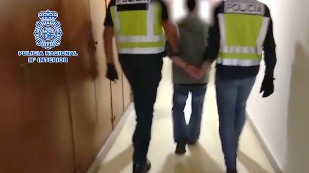 Foto: Imagen de la detención de la Policía Nacional a César Román, más conocido por el rey del cachopo.