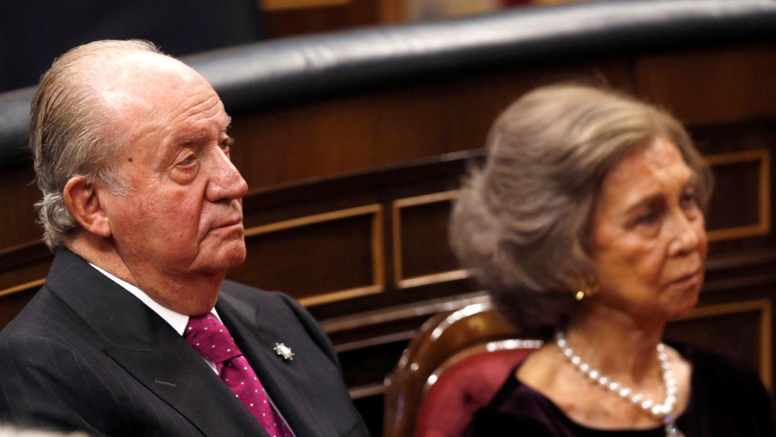 Foto: Los reyes Juan Carlos y Sofía en el Congreso de los Diputados. (EFE)