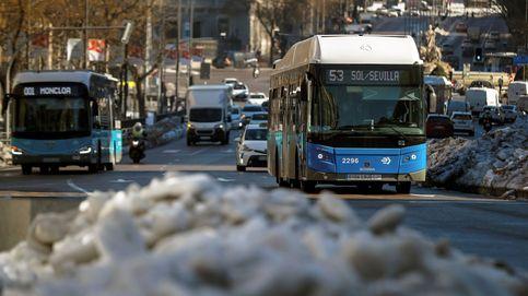 ¿Jubilados gratis y jóvenes, un dineral? El transporte público más allá de Madrid