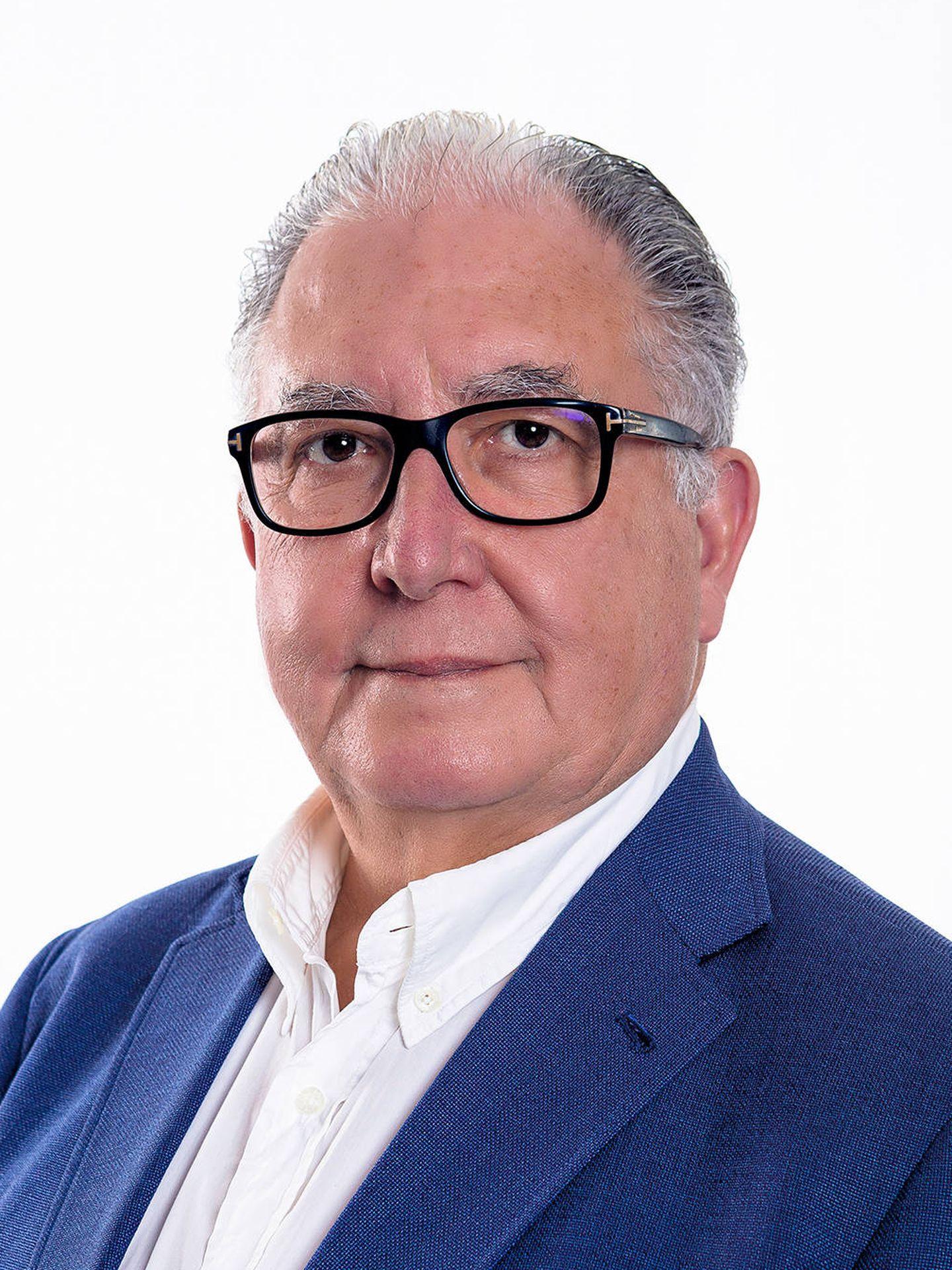 Dr. Antonio Torres.