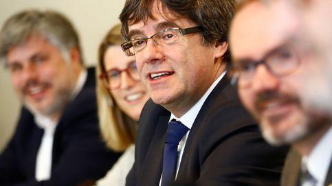 El Parlament aprueba la reforma para poder investir a distancia a Puigdemont