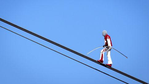 Un acróbata suizo supera tres récords del mundo a 3.000 metros de altura