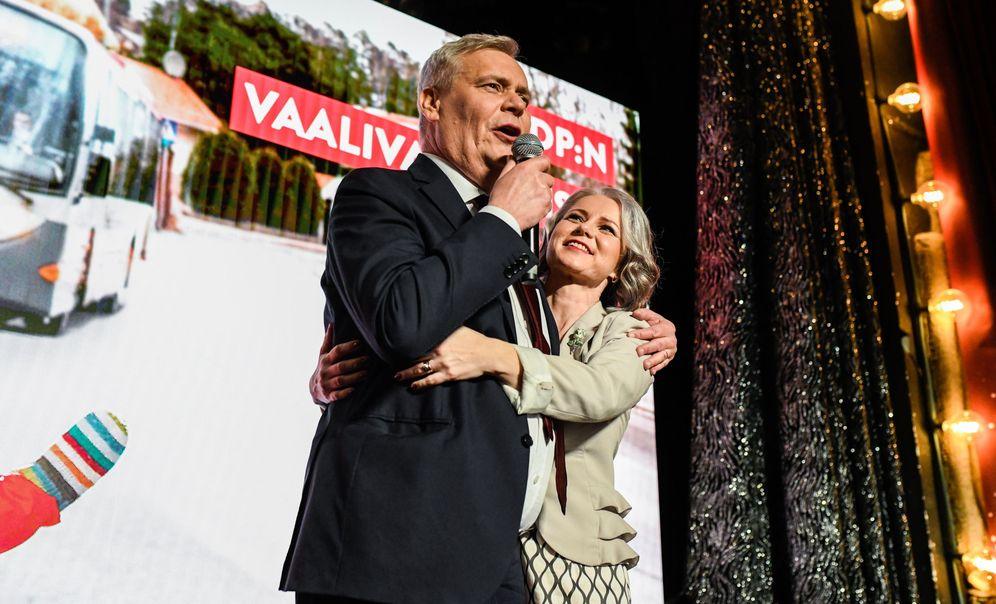 Foto: Antti Rinne, líder de los socialdemócratas, celebra el resultado de las elecciones en Helsinki. (EFE)
