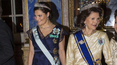 Sofía, la gran ausente en una noche de joyas, tiaras y préstamos reales