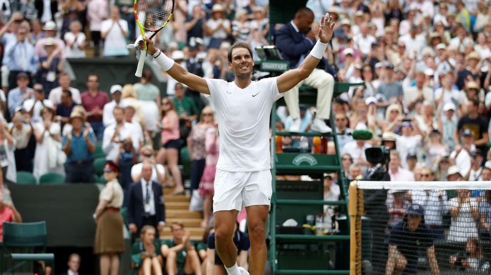 Foto: Rafa Nadal celebra su victoria ante Joao Sousa en los octavos de final de Wimbledon. (Reuters)