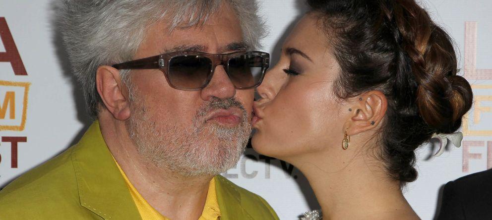 Foto: Pedro Almodóvar y Blanca Suárez en el estreno de 'Los Amantes Pasajeros' en Los Ángeles en 2013 (Gtres)