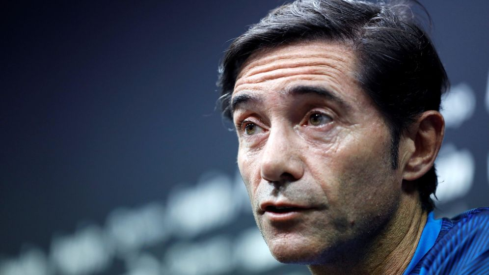 Foto: Marcelino García Toral durante una conferencia de prensa con el Valencia. (Efe)