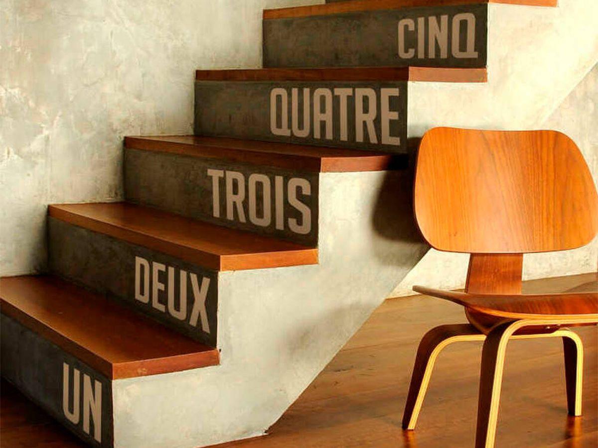 Foto: Triunfa decorando el frente de tus escaleras con vinilos autoadhesivos (TenVinilo)