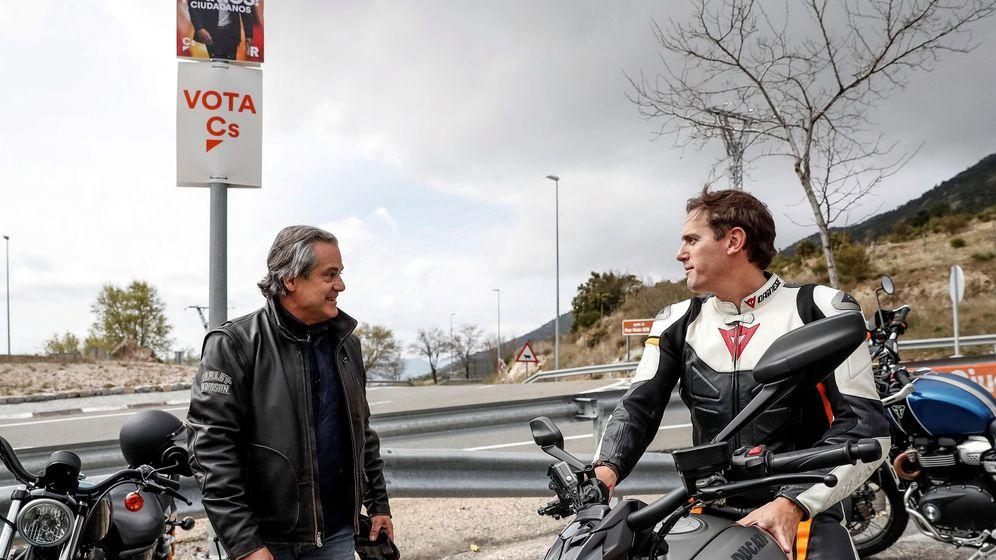 Foto: El presidente de Ciudadanos, Albert Rivera (d), junto a Marcos de Quinto (i). (EFE)
