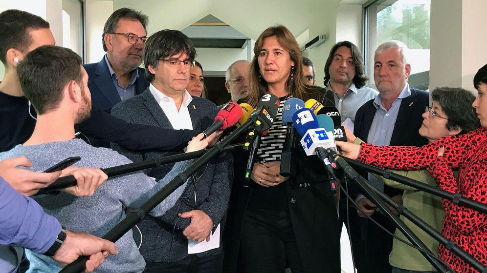 Foto: Fotografía de archivo de Carles Puigdemont y Laura Borràs en Waterloo. (EFE)