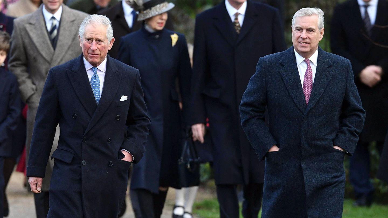 El príncipe Carlos y el príncipe Andrés. (EFE)