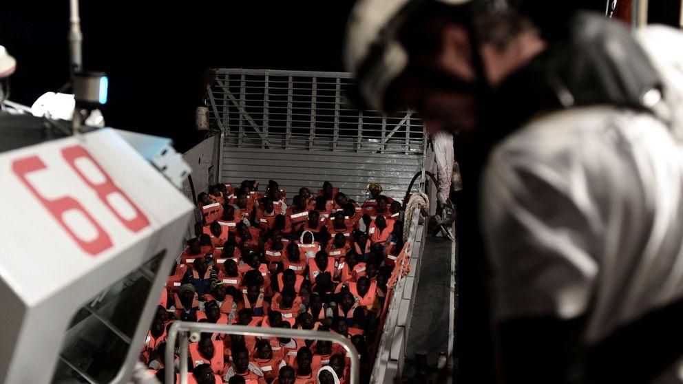 ¿Puede Italia cerrar sus puertos a un barco con inmigrantes? Claves del caso Aquarius