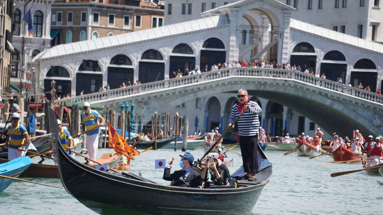 Son como bombas: Venecia reduce el número de personas en las góndolas