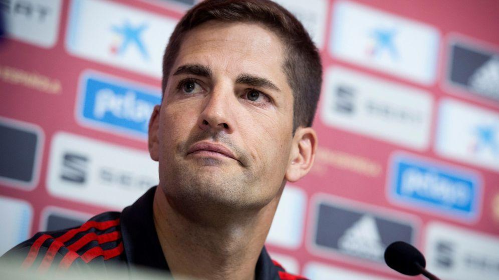 Foto: Robert Moreno, en la sala de prensa de la Ciudad del Fútbol de Las Rozas. (EFE)