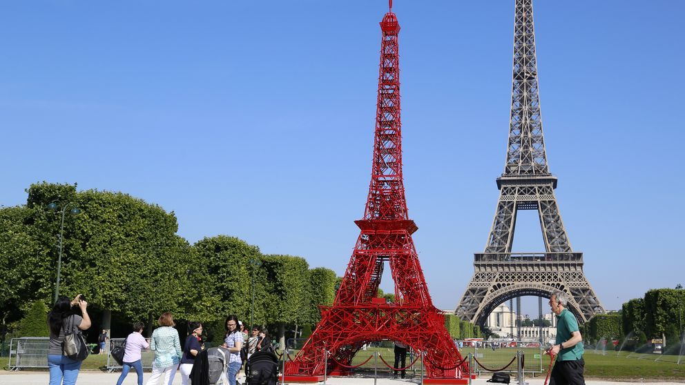 De China a Rusia, pasando por Corea del Sur: así son las 'hermanas' de la Torre Eiffel