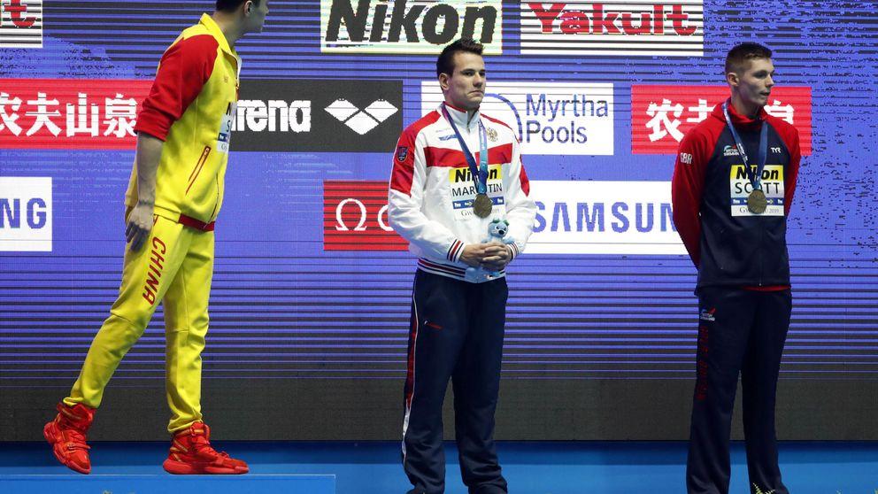 La vergüenza de Sun Yang en el Mundial de natación: escándalo y numeritos en el podio