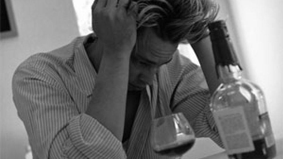 El 10% de los hombres y el 5% de las mujeres tiene problemas graves de alcoholismo
