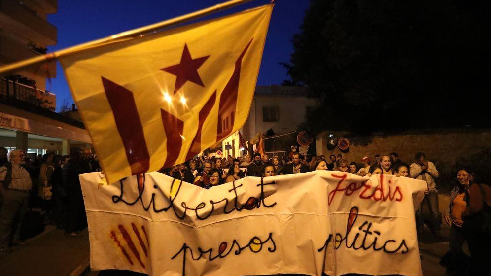 Foto: Manifestación por la liberación de los presos independentistas en octubre. (EFE)