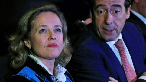 Calviño y el ERE de Caixa: entre 2.300 despidos de más y la amnesia colectiva