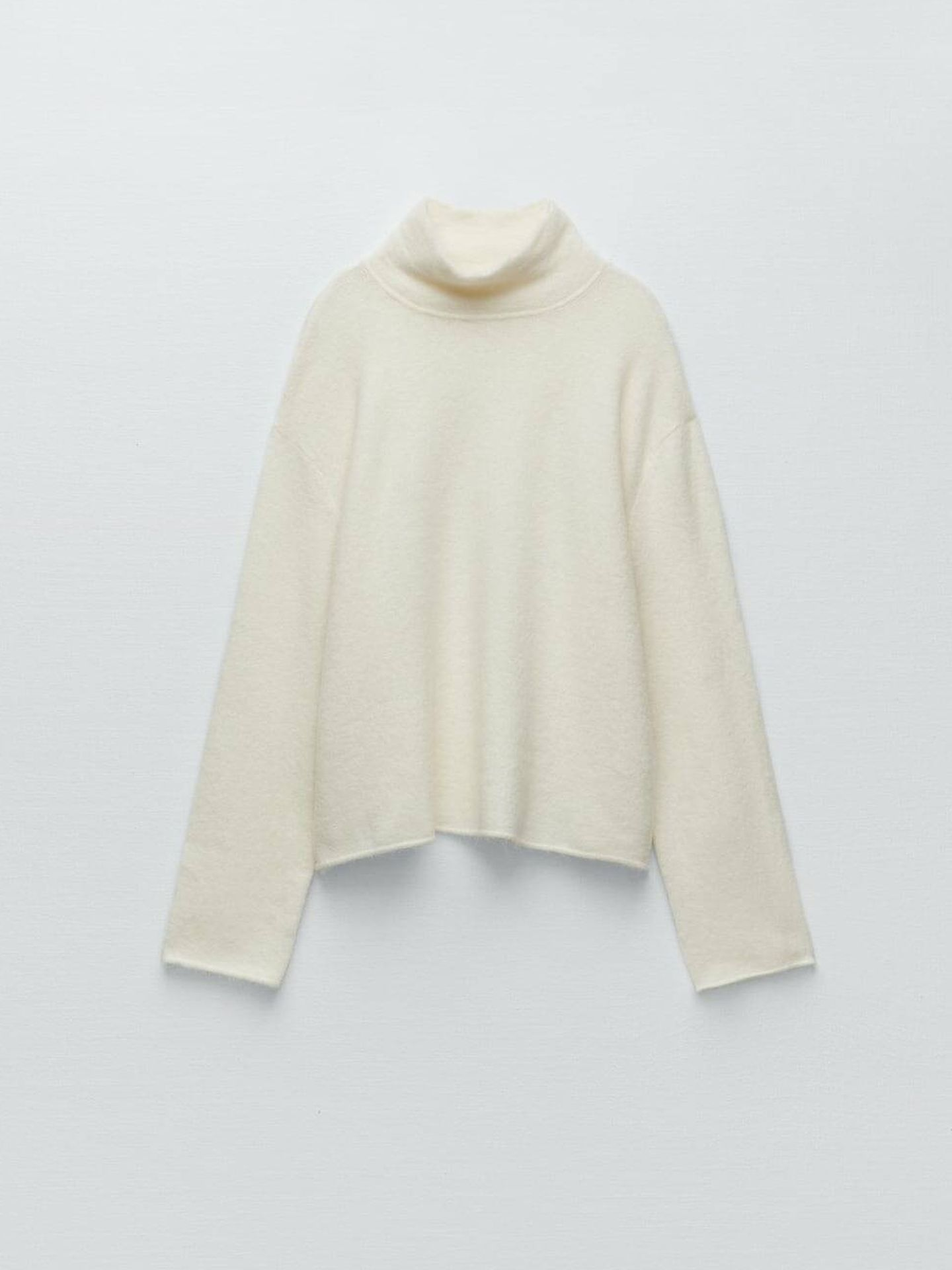 Jersey blanco de lana de Zara. (Cortesía)