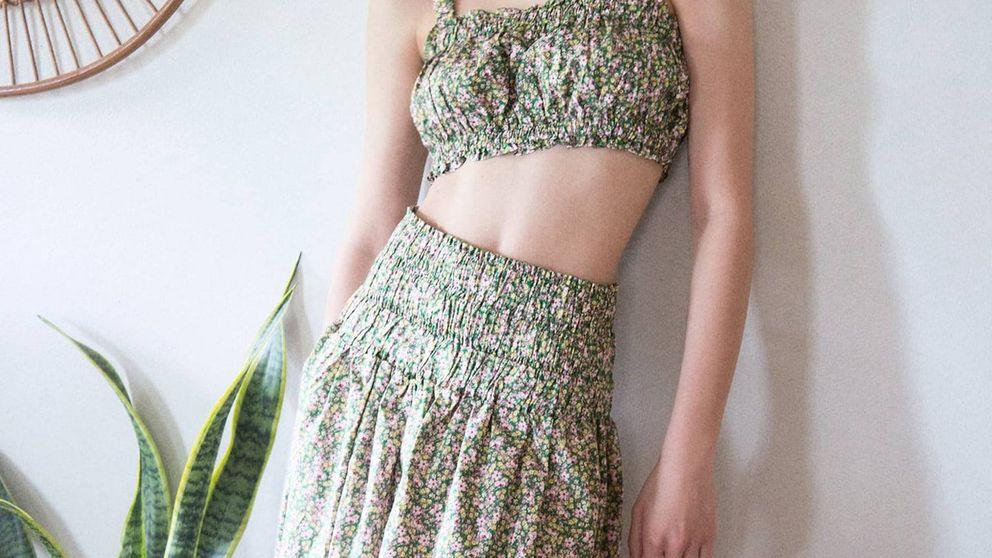 El top de Zara de 20 euros perfecto para las chicas de poco pecho hace conjunto con esta falda ideal