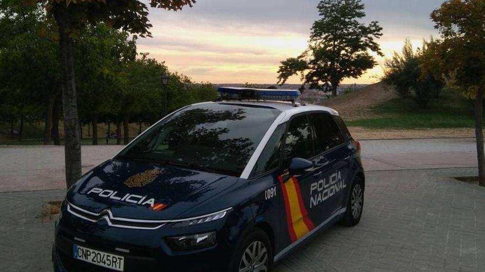 Foto: Dos detenidos por agredir a un menor al que arrojaron al río Genil en Granada. (Policía Nacional/Twitter)