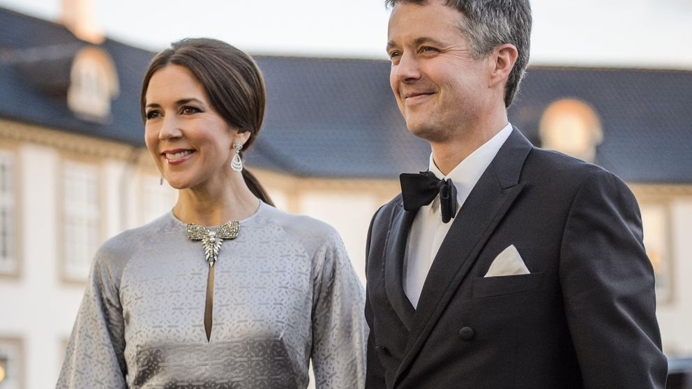 La elegancia de la princesa Mary pone el broche de oro a los festejos del 75 cumpleaños de Margarita de Dinamarca