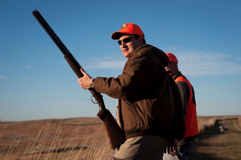 Foto: El candidato y senador Ted Cruz durante una jornada de caza en Akron (Reuters).