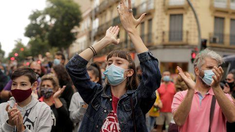 Miles de vecinos protestan contra restricciones de movilidad en sus barrios