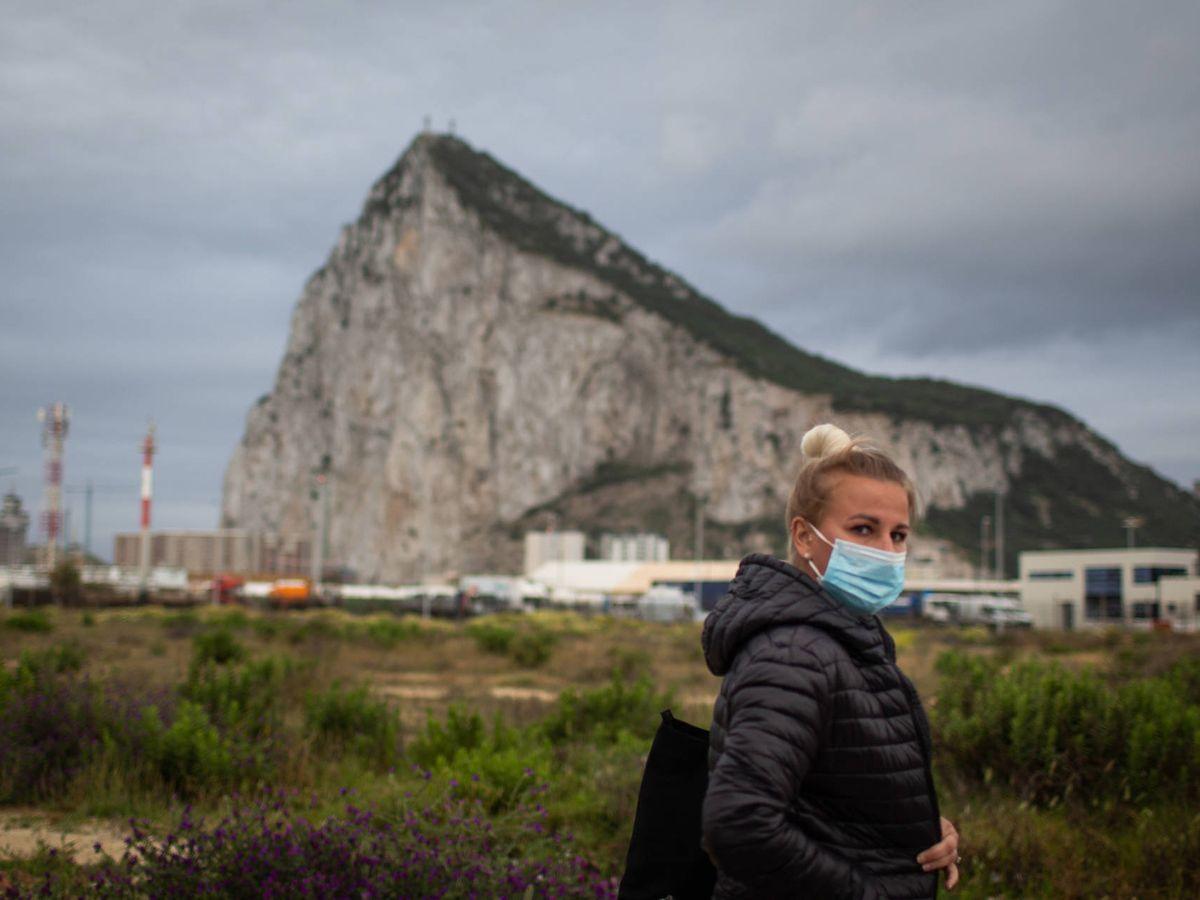 Foto: El peñón de Gibraltar visto desde La Línea de la Concepción. (Fernando Ruso)