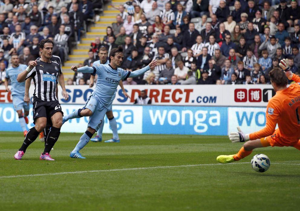 Foto: Silva, en el momento de marcar ante el Newcastle (Reuters)