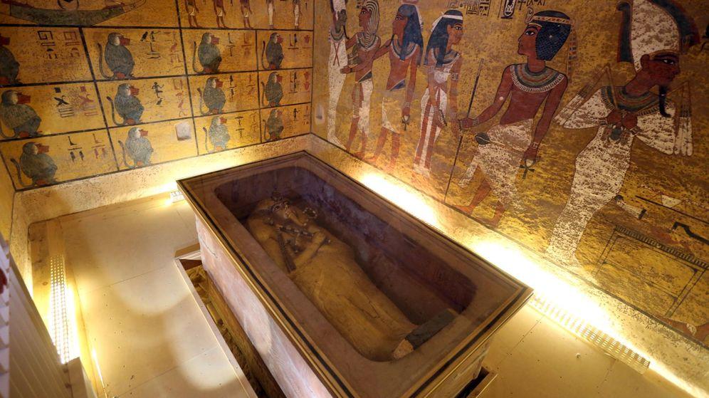 Foto: El sarcófago dorado de Tutankamón en el Valle de los Reyes. (Reuters)