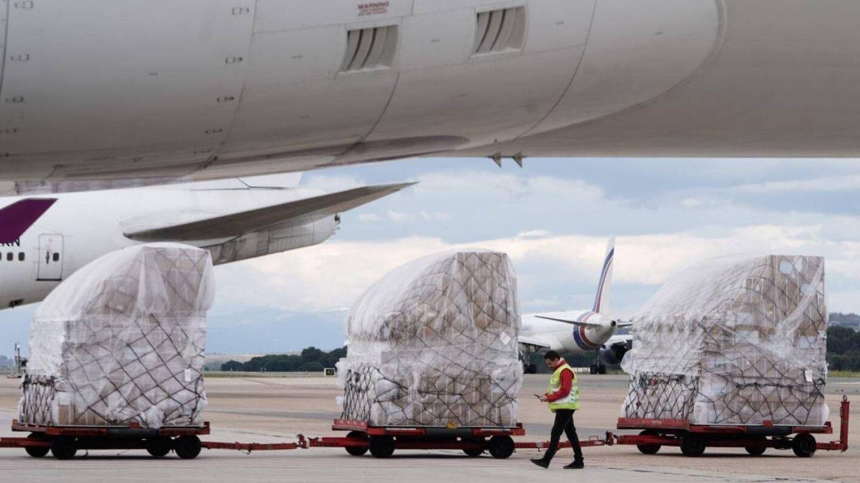 Madrid recibe el cuarto avión en 48 horas cargado con material sanitario