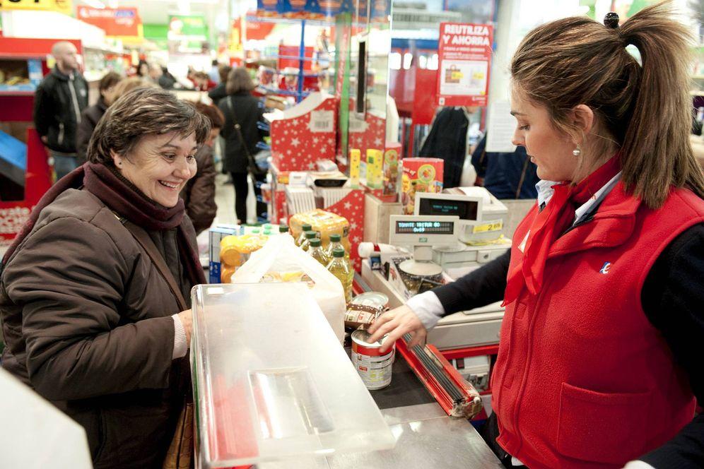 Foto: Eroski intentará recolocar a los empleados afectados por el cierre de 30 perfumerías If. (EFE)