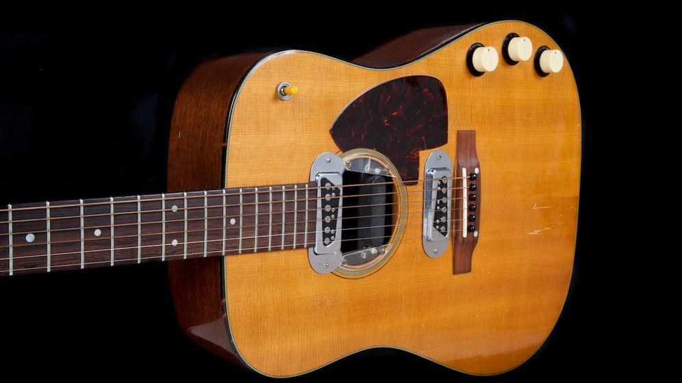 Foto: La guitarra usada por Kurt Cobain en el 'MTV Unplugged'. Foto: Julien's Auctions Handout via Reuters
