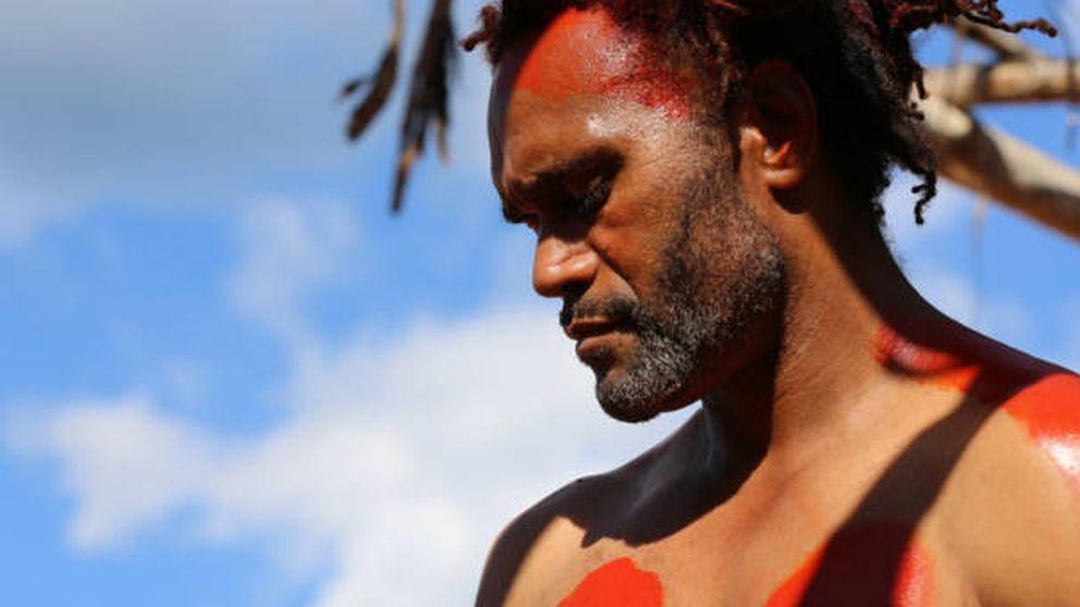 Karembeu, ídolo en un país que encerró y trató a su abuelo como un caníbal