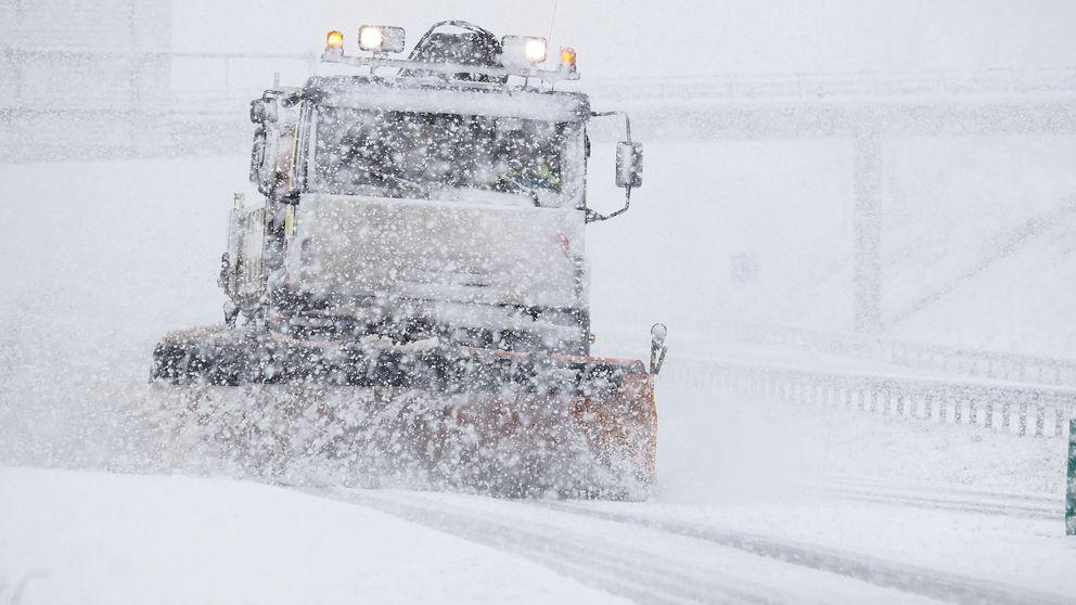 ¿Primavera? Alerta por nieve, lluvias, frío y oleaje en media España