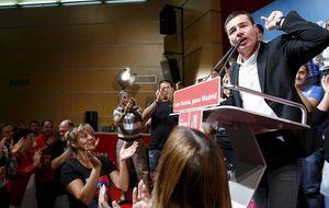 Militantes del PSM piden a Pedro Sánchez la dimisión de Gómez