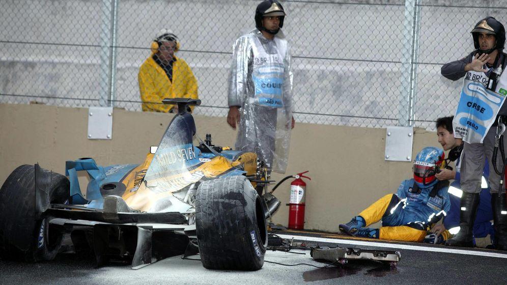 Foto: Los mayores sustos de Fernando Alonso en la Fórmula 1