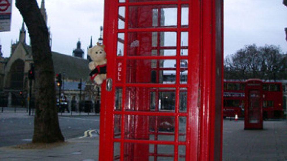 En peligro de extinción las famosas cabinas telefónicas rojas del Reino Unido