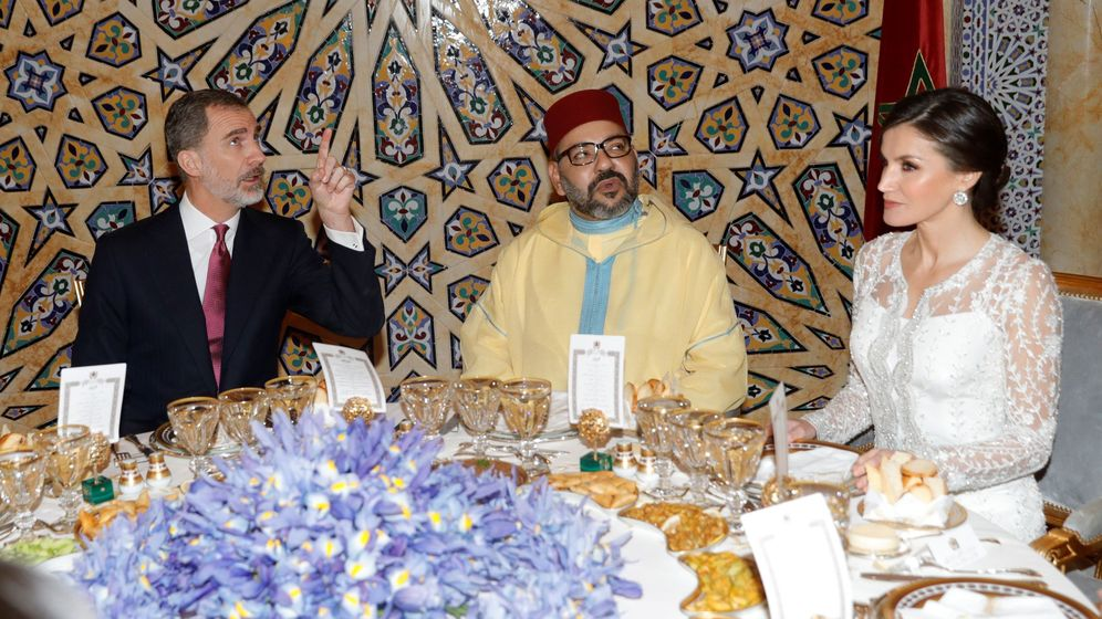 Foto: reyes Felipe y Leticia junto al rey Mohamed VI en una imagen de archivo. (EFE)